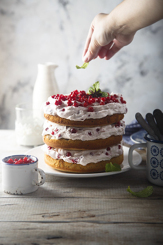 Рождество в Скандинавии. Имбирный торт с брусникой.