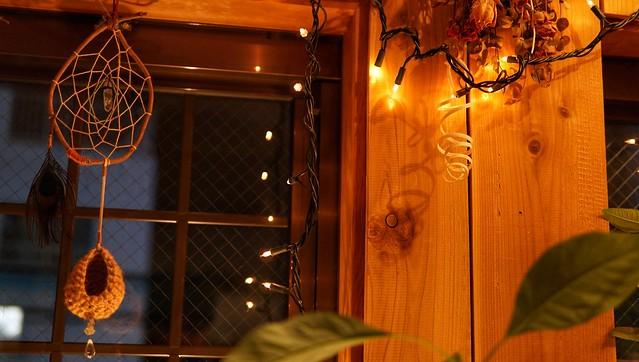 きくやマルシェさん 窓の明かり