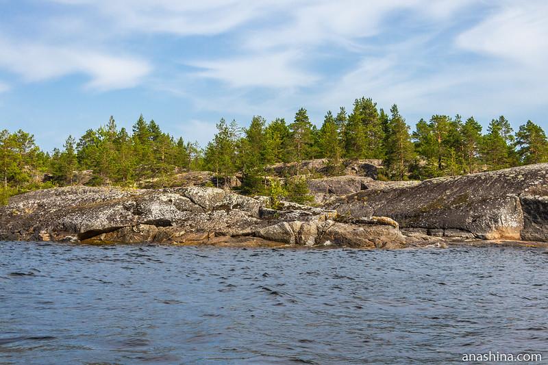 Скалистые берега острова Хонкасало, Ладожское озеро