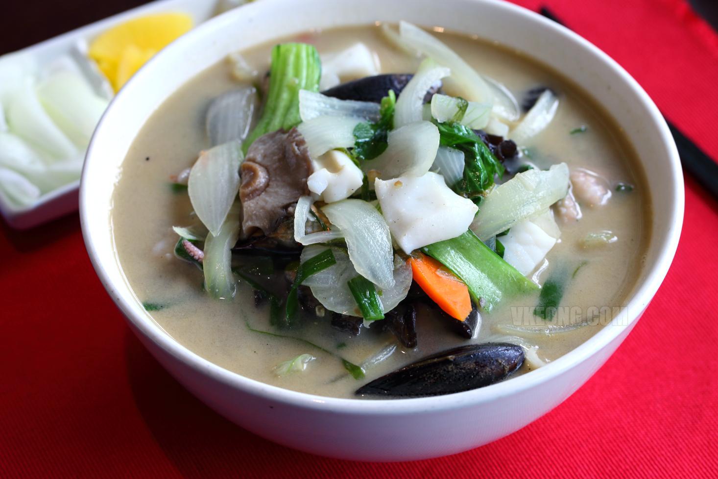 Buldojang-Nagasaki-Spicy-Seafood