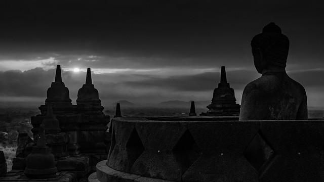 The Birth Of The Sun (Borobudur, Java, Indonesia. Gustavo Thomas © 2018)