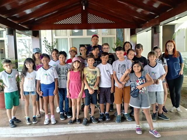Segunda-feira, 08 de outubro de 2018 - A Residência Oficial de Águas Claras teve honra de receber um grupo de crianças do Centro Olímpico e Paraolímpico do Parque da Vaquejada de Ceilândia.