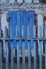 Barrière-bleu