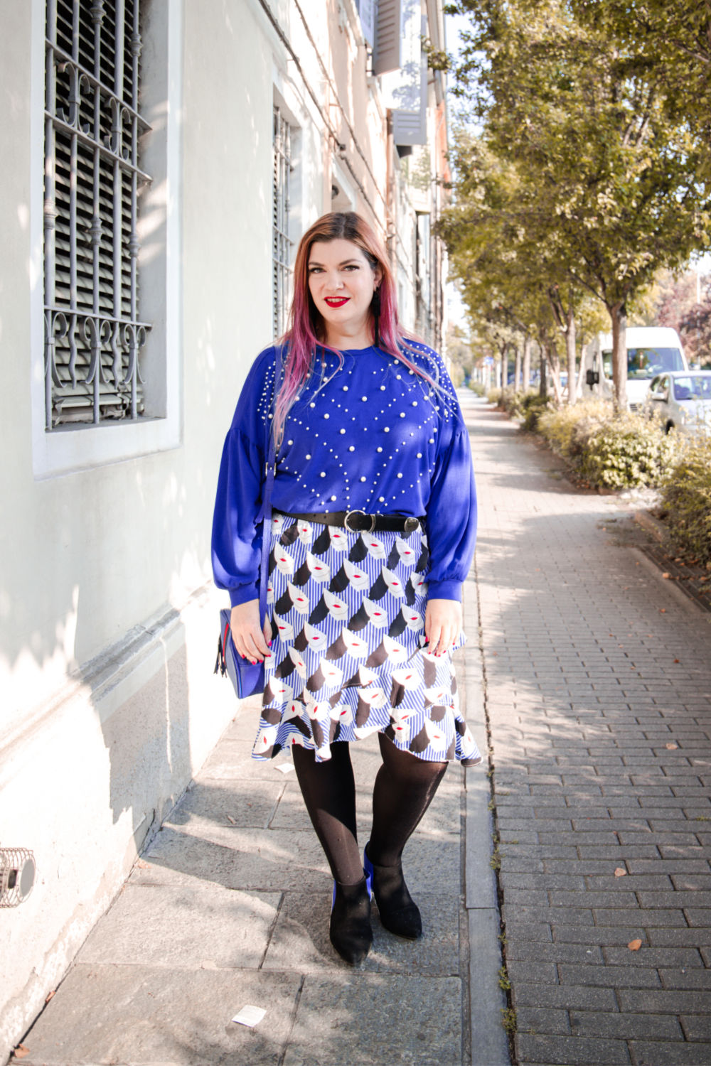 Outfit plus size curvy come indossare un capo estivo in autunno (3)