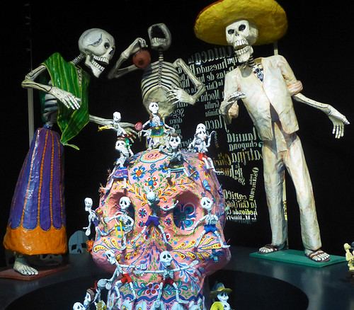 The Folk Museum in Mexico City has these endearing skeletons have a good time! (Photo by Sandanista)