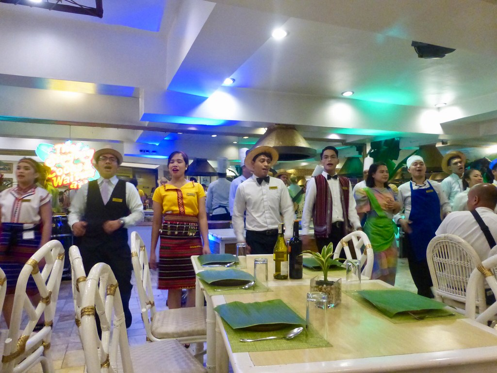 The Singing Cooks and Waiters Restaurant, Manila