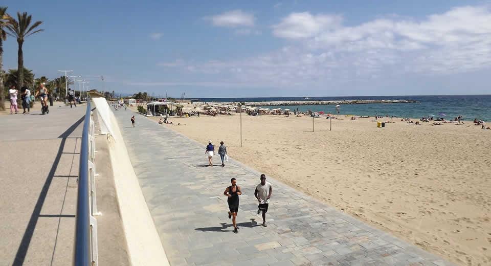 Naar het strand in Barcelona, bekijk de tips | Mooistestedentrips.nl