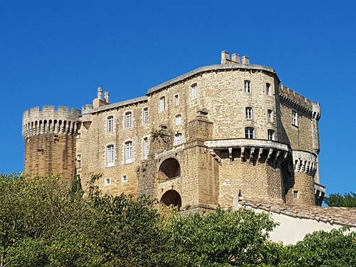 Chateau de Suze la Rousse