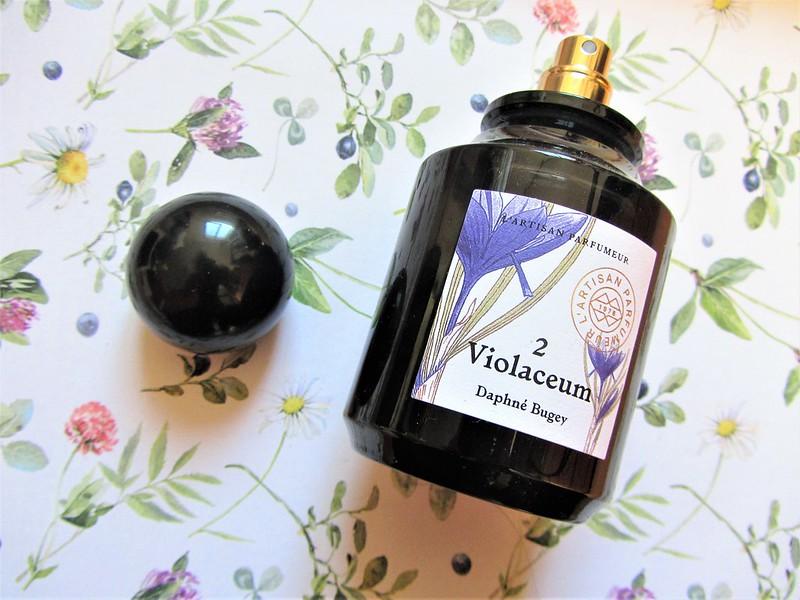 l-artisan-parfumeur-violaceum-eau-de-parfum-thecityandbeauty.wordpress.com-blog-beaute-femme-IMG_1319 (2)