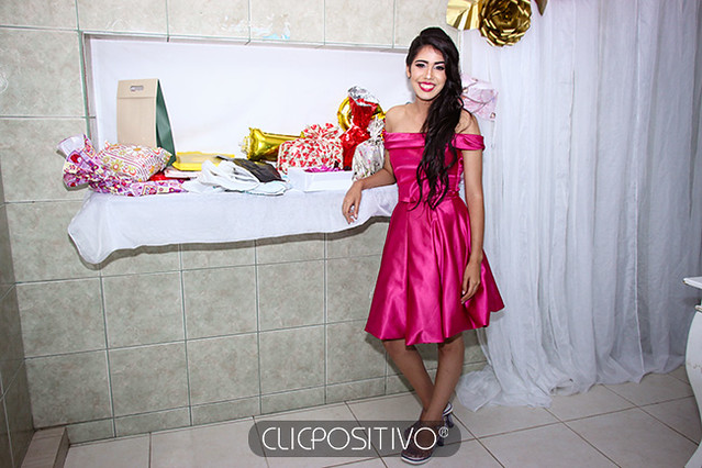 ANA JULIA (46)