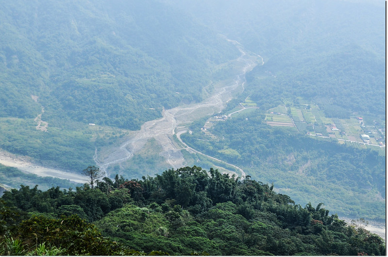 小林山登山步道俯瞰小林村舊址