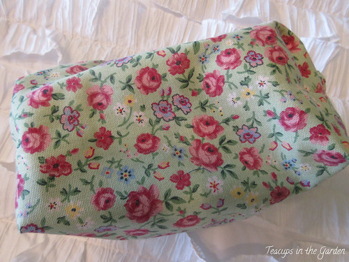 15-Zipper Bag in Green and Floral Red
