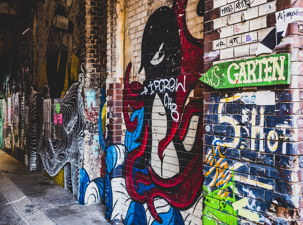 Where to find street art in Berlin? Discover Geritchtshöfe, the hidden art quarter in Wedding.