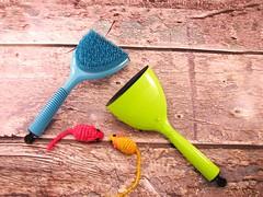 The Kampalook Pet Brush