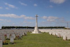 Duisans Cemetery Memorial - Photo of Gouy-en-Artois