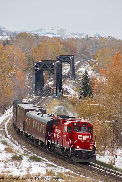 Westbound TEC Train, Canon EOS 80D, Canon EF 75-300mm f/4-5.6 USM