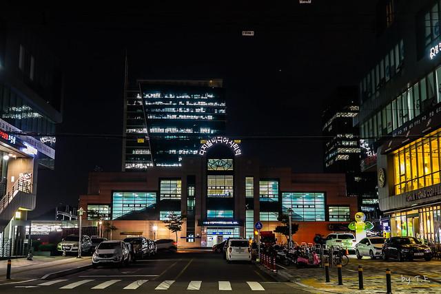 경의선 디지털미디어시티역 야경
