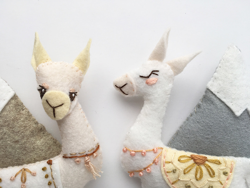 llamas felt sewing pattern