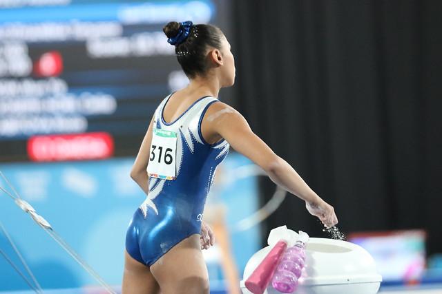 Karla Pérez, rutina de barras en la gimnasia de Buenos Aires