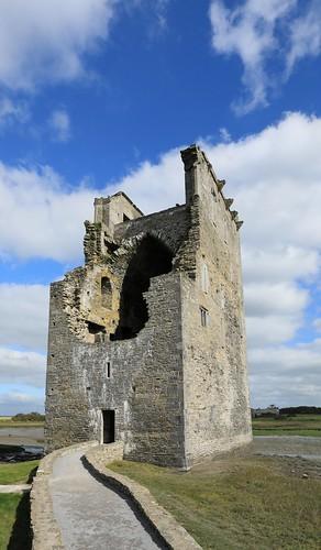 W5D_1214a    Carrigafoyle Castle.  29th September 2018.