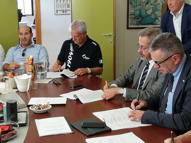 Firmato il contratto collettivo nazionale di lavoro