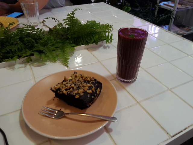 Brownie and Smoothie, Hum:Hum, Kiev