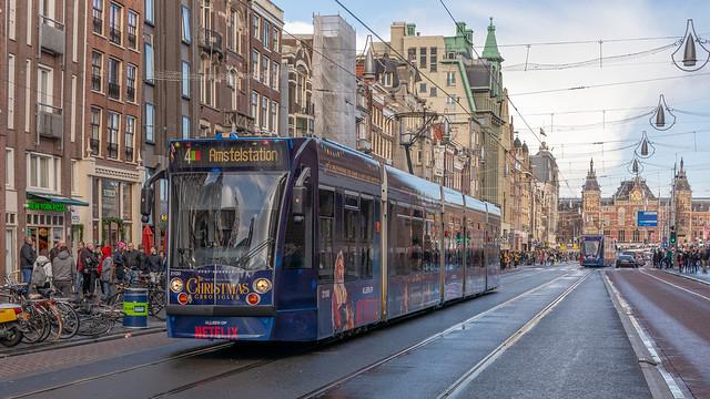Amsterdam Netflix Christmas tram 2100_, Nikon D7100, Sigma 18-50mm F2.8-4.5 DC OS HSM