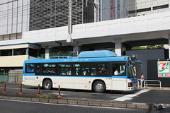Isuzu bus family