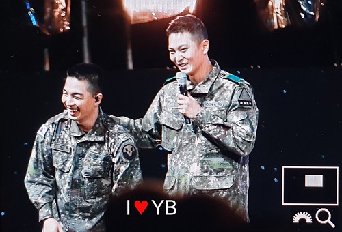 Taeyang Daesung Ground Forces Festival 2018-10-08 Day 3 (10)