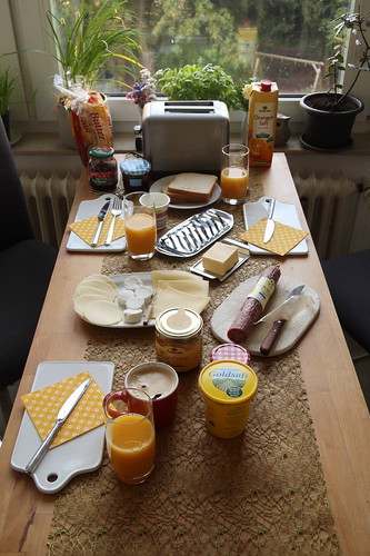 Sonntagsfrühstück mit Toast