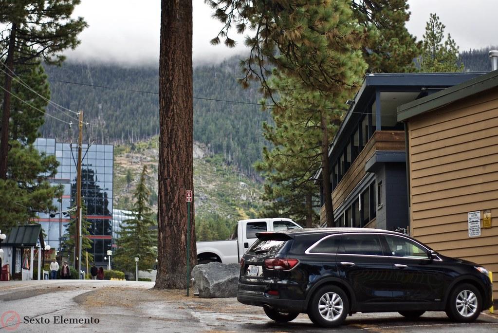 alpine-inn-parking-kia-sorento-california-nevada-stateline-road