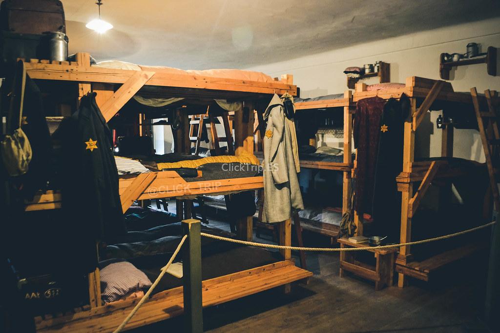 · Reconstrucción de barracones · Campo de concentración de Terezín ·
