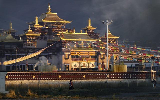Sershul monastery at sunrise, Tibet 2018