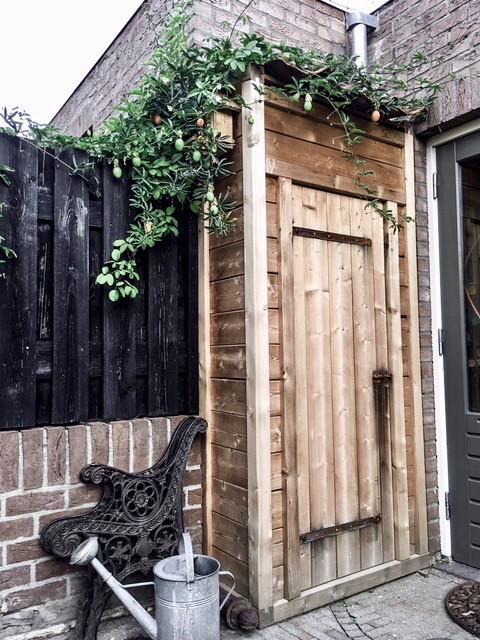 Mini tuinhuisje met oude dakpannen