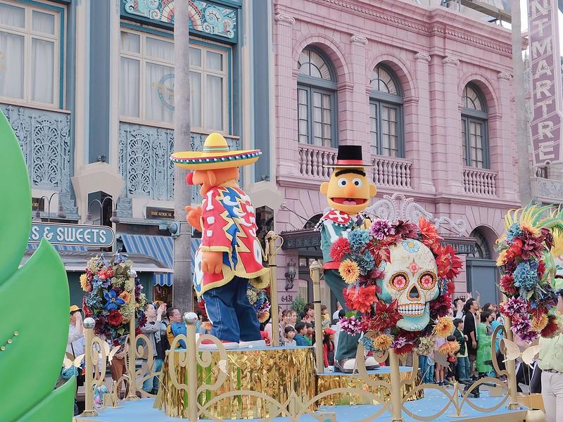 sesame street USJ Halloween Day Parade