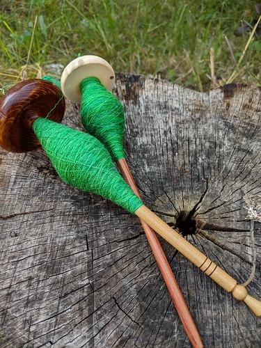 Spinning merino silk yarn on Tabachek Lacewood and Bosworth Moosie drop spindles by irieknit