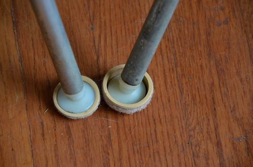 """1"""" vs 1.25"""" Formed Felt Sliders on Eames Shell Chair Feet"""