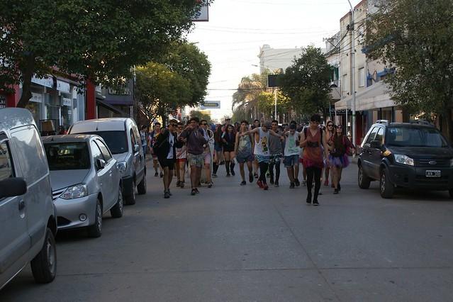 Batucada y festejos estudiantiles en Lobos