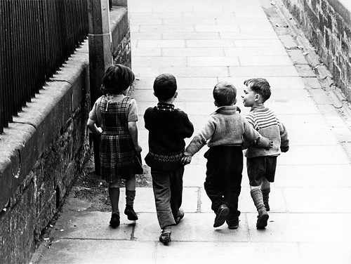 Robert Blomfield, Childhood Friends, Edinburgh, 1966. © Robert Blomfield.