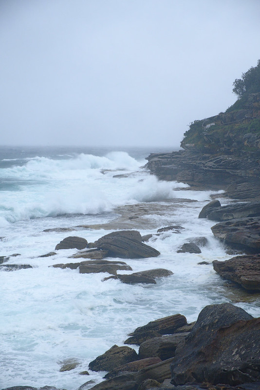 Heavy surf at Tamarama Rocks