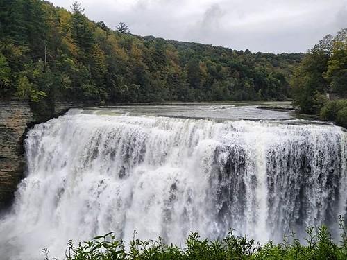 Middle Falls #letchworthstatepark #ilovenewyork #geneseeriver #waterfall