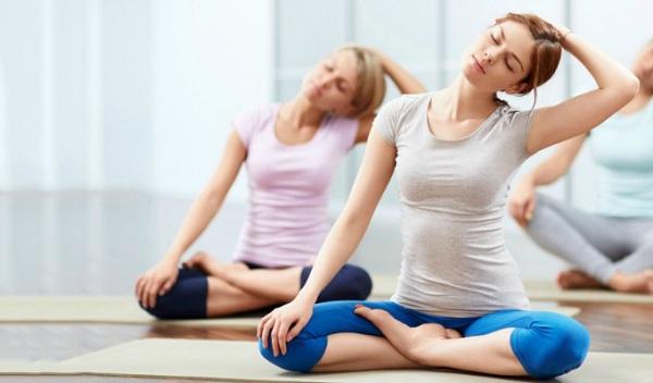 Thoái hóa cột sống có tập yoga được không