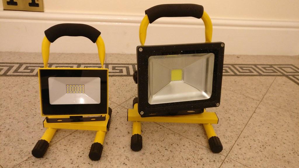 Aldi worklamp Vs 20w eBay lamp