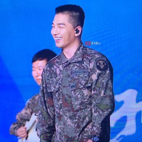 Taeyang Daesung Ground Forces Festival Korea 2018-10-08 (5)