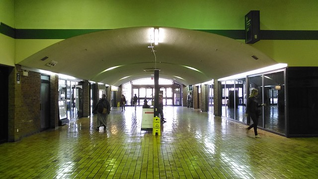 Under the arch (4) #toronto #galleriamall #wallaceemerson #shoppingmall #arch
