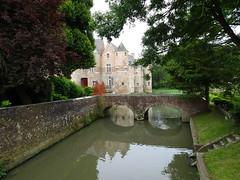 Esquelbecq.- Parc et abords du Chateau (3)