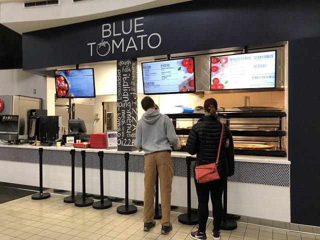 Blue tomato, tres habaneros, burgershop
