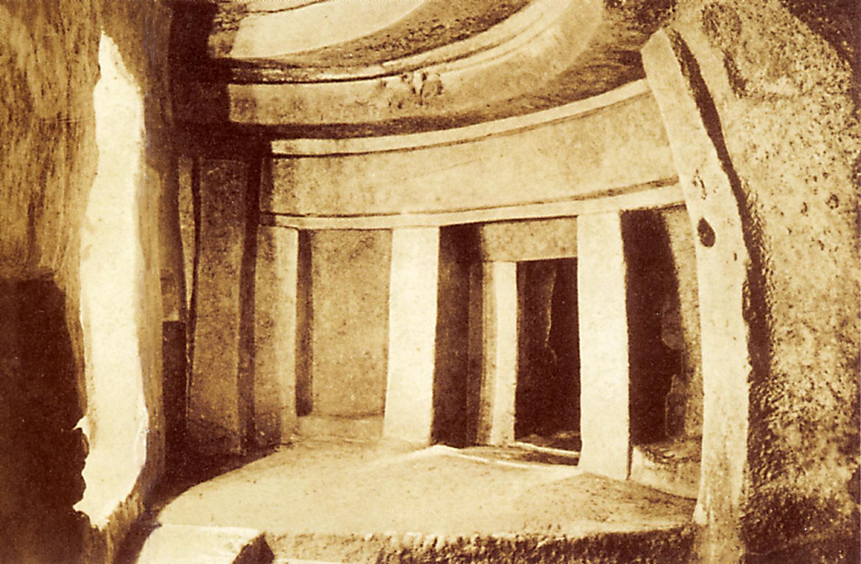 The Hypogeum, photograph by Richard Ellis, before 1910