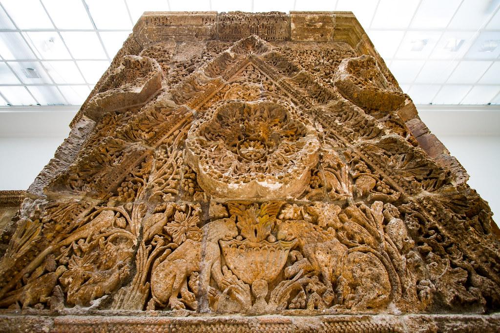 Intricate stone filigrane