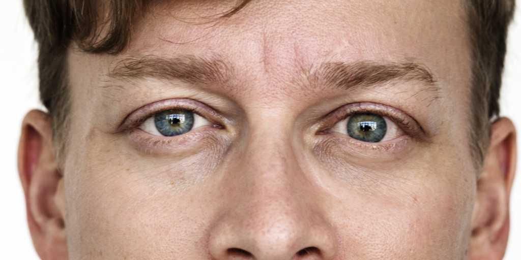 Des microrobots qui délivrent un médicament aux yeux